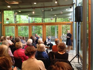 Kjersti Skomsvold reading at Lillehammer